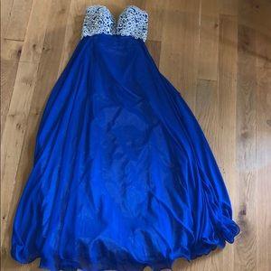 Navy blue strapless prom dress